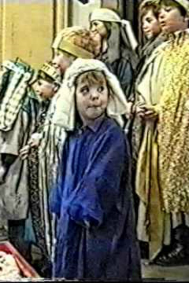 This Little Girl Steals The Nativity Show In The Cutest Way Possible!