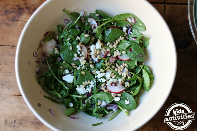5 Simple Salad Recipes to Eat Healthier in the New Year!