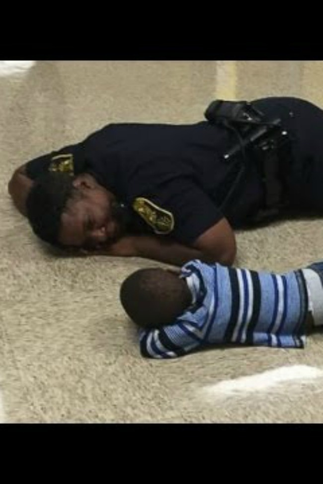 A Little Boy Having A Bad Day Laid Down On The Floor, And Then This Officer Joined Him…