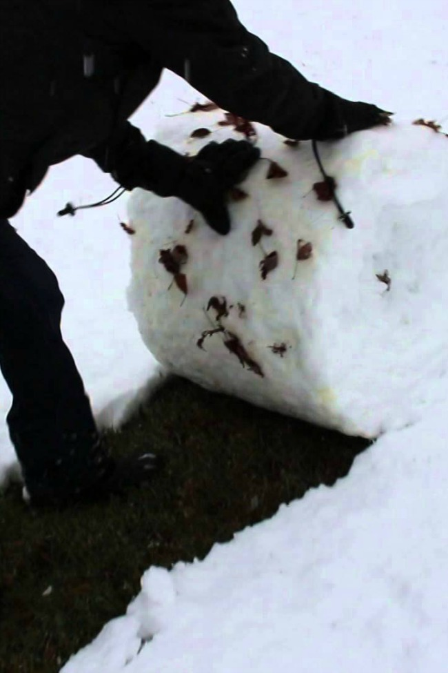 This Man 'Shovels' Snow In A Way You've Never Seen Before!