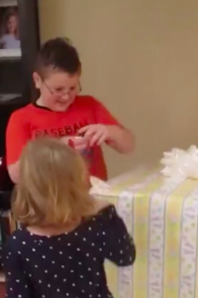 Someone Was NOT Happy With How This Gender Reveal Panned Out