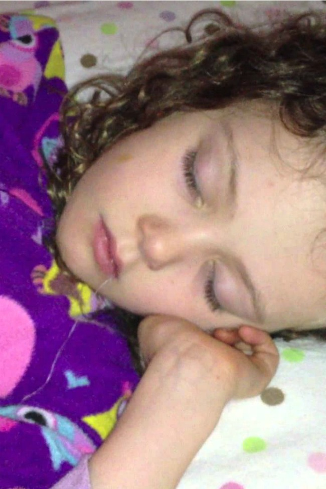 Expert Parents Pull Daughter's Tooth While She Sleeps!