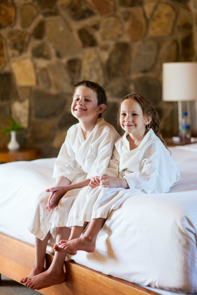 Travel Tips for Families Experiencing Bedwetting