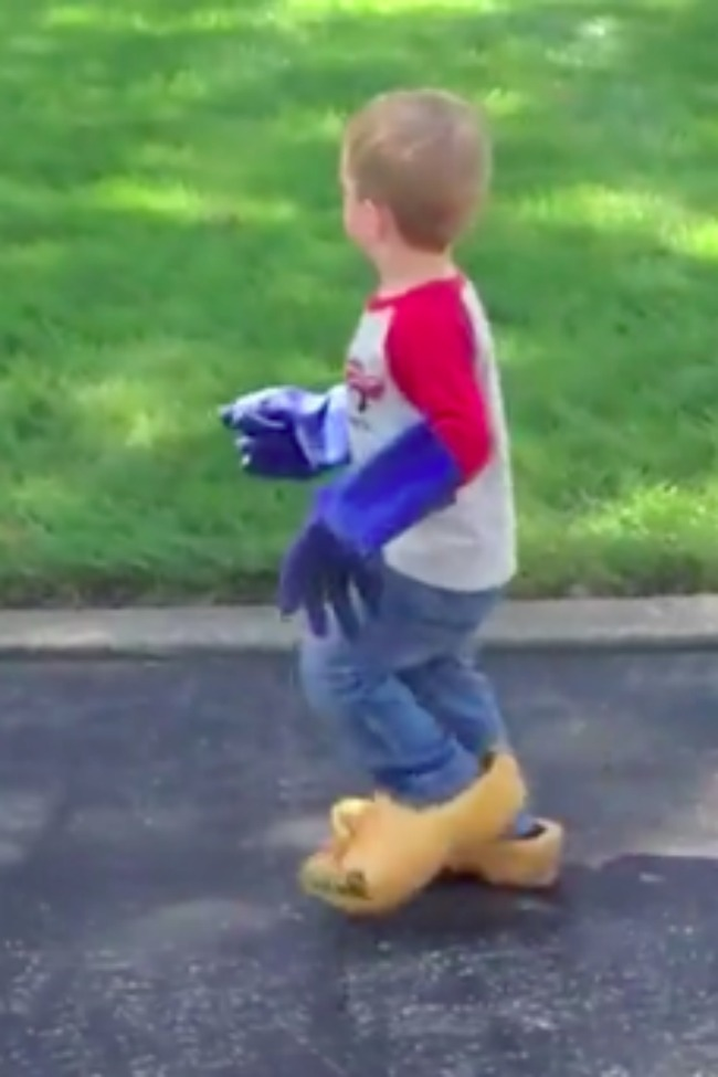 15 Clips Of Little Kids Wearing Really Big Shoes