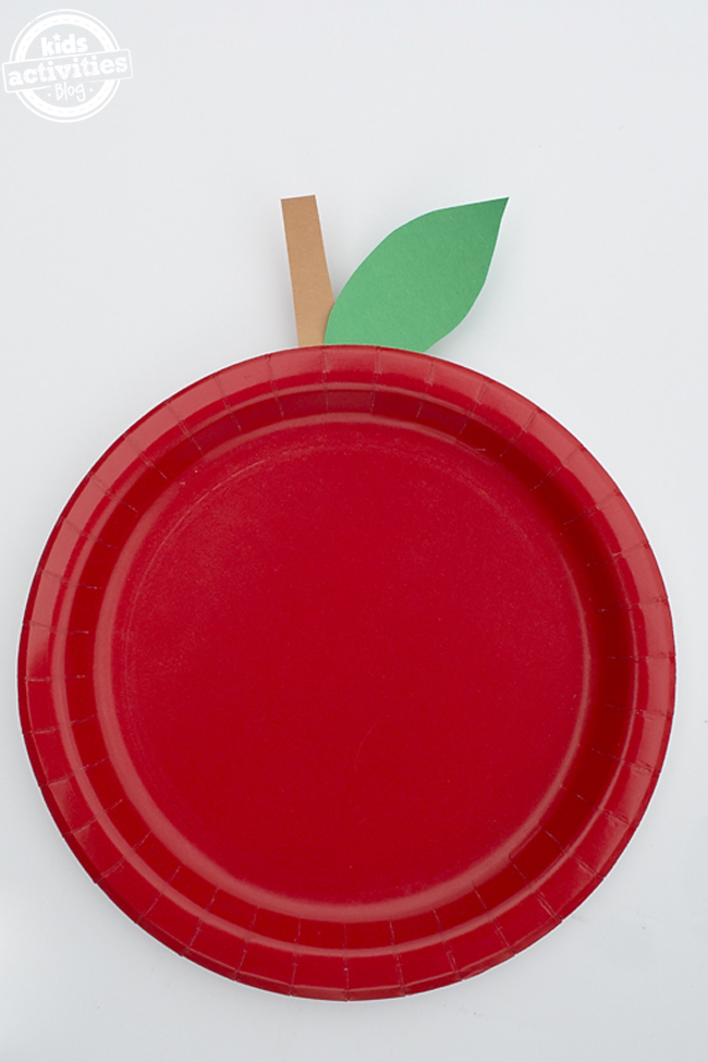 The Easiest Paper Plate Apple Craft for Kids