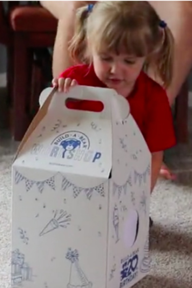 3-Year-Old Finds Out She Has A Baby Sister On The Way