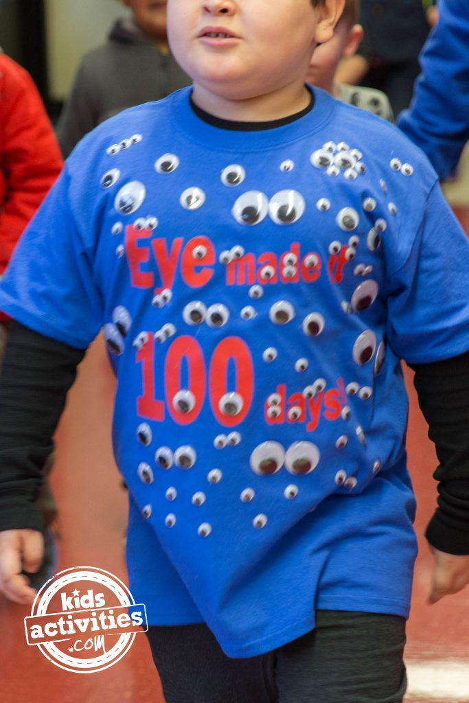 100 Days of school shirt idea - Eye made it 100 days with googly eyes on the shirt worn by a grade school age child