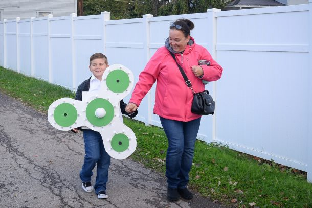 Fidget Spinner Halloween Costume Boy Wearing With Mom