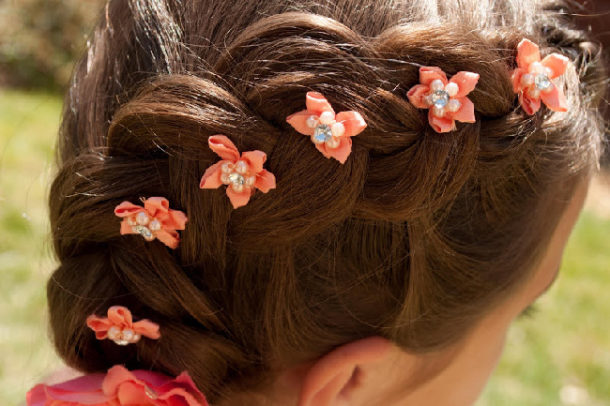 Loose Dutch braid with flowers - Princess Piggies