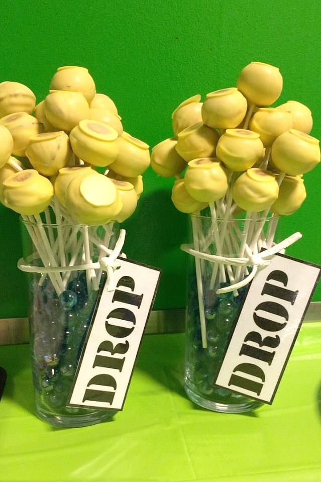 cake pops Fortnite-themed