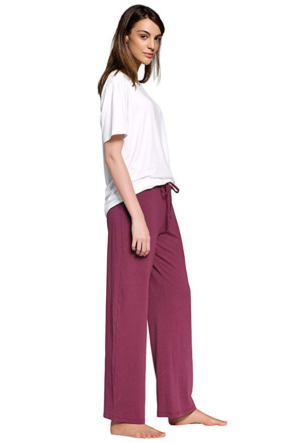 Moms Are Obsessed With These $15 Sweatpants