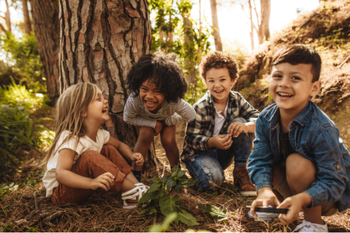 Kids exploring outside will experience less stress - Kids activities blog