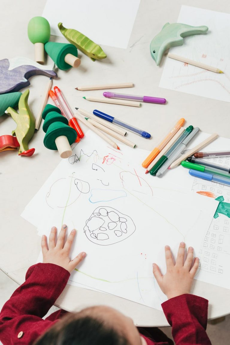 10+ Art Project Kits You Can Get To Keep Kids Entertained While Stuck Inside