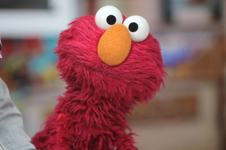 Elmo is Getting a 'Not-Too-Late' Show on HBO Max and It's The Late-Night Comedy Kids Need