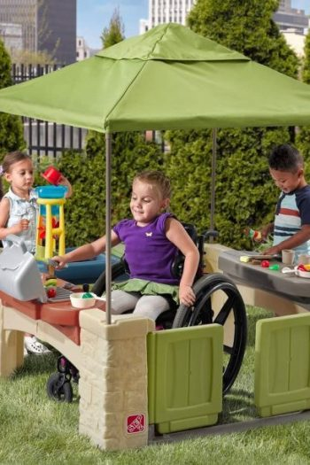 step 2 canopy playhouse wheelchair accessible - feature