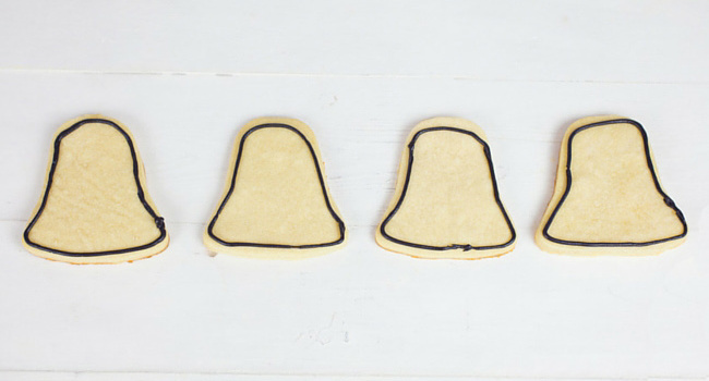 How to Make Darth Vader Cookies - Step 4