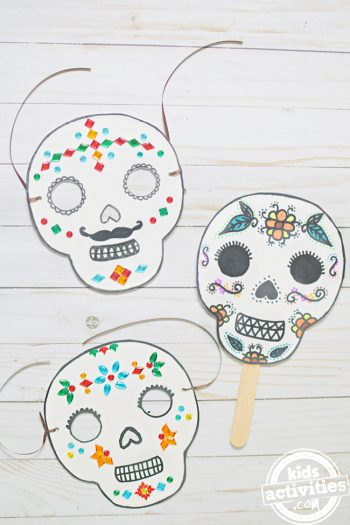 You Can Make Beautiful Day of the Dead Masks Using Paper Plates