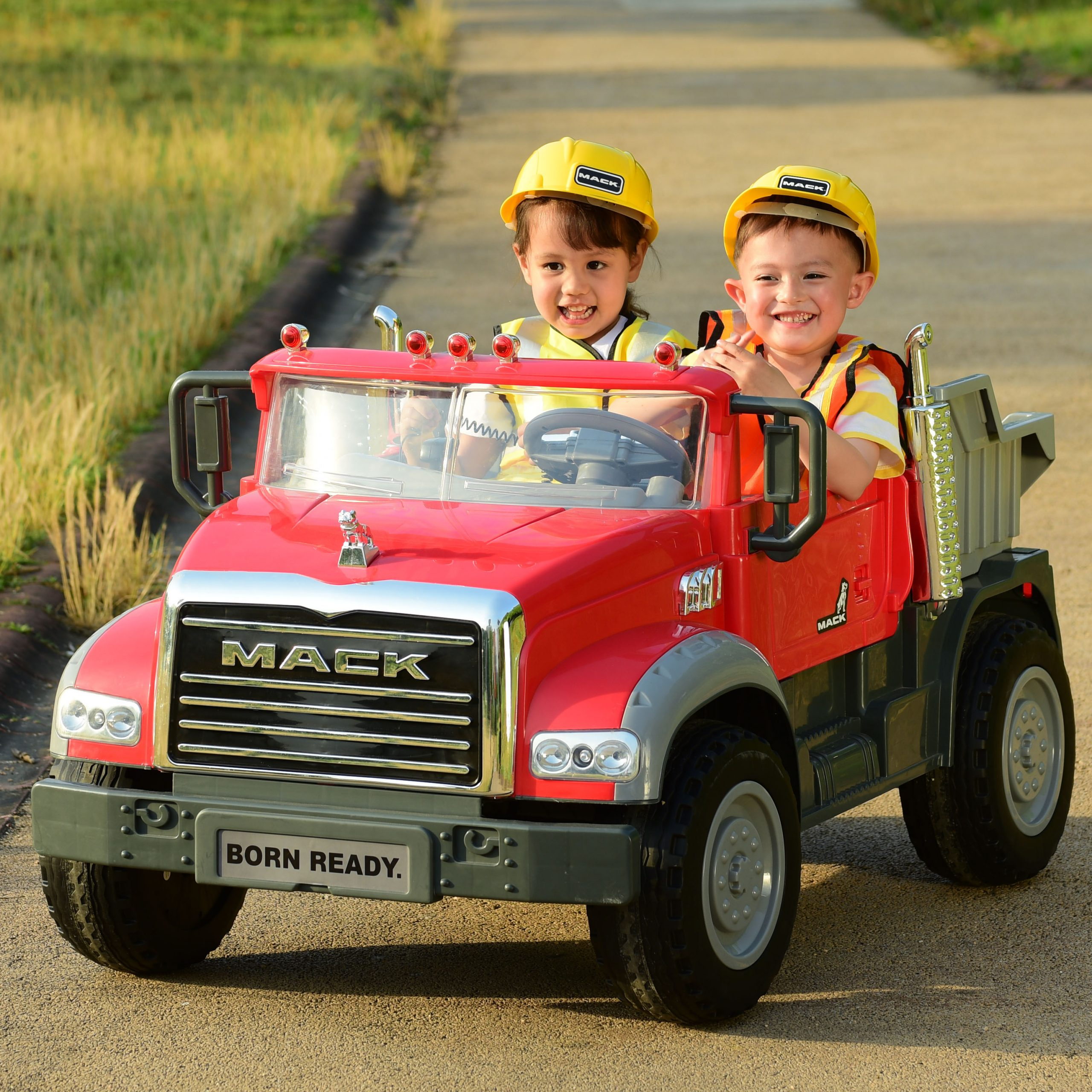 You Can Get A Battery Operated Dump Truck For Your Kids That Actually Dumps Cargo