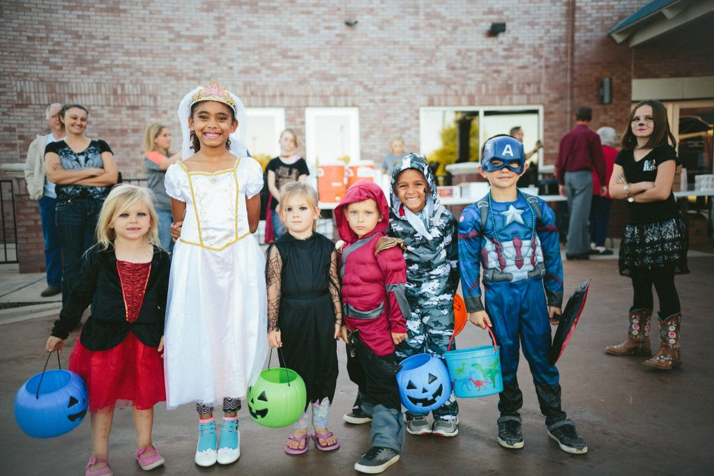 A picture of kids in Halloween costumes.