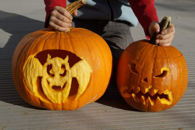 Lowe's Is Hosting A Curbside Trick-or-Treat Event. Here's How You Can Join The Fun!