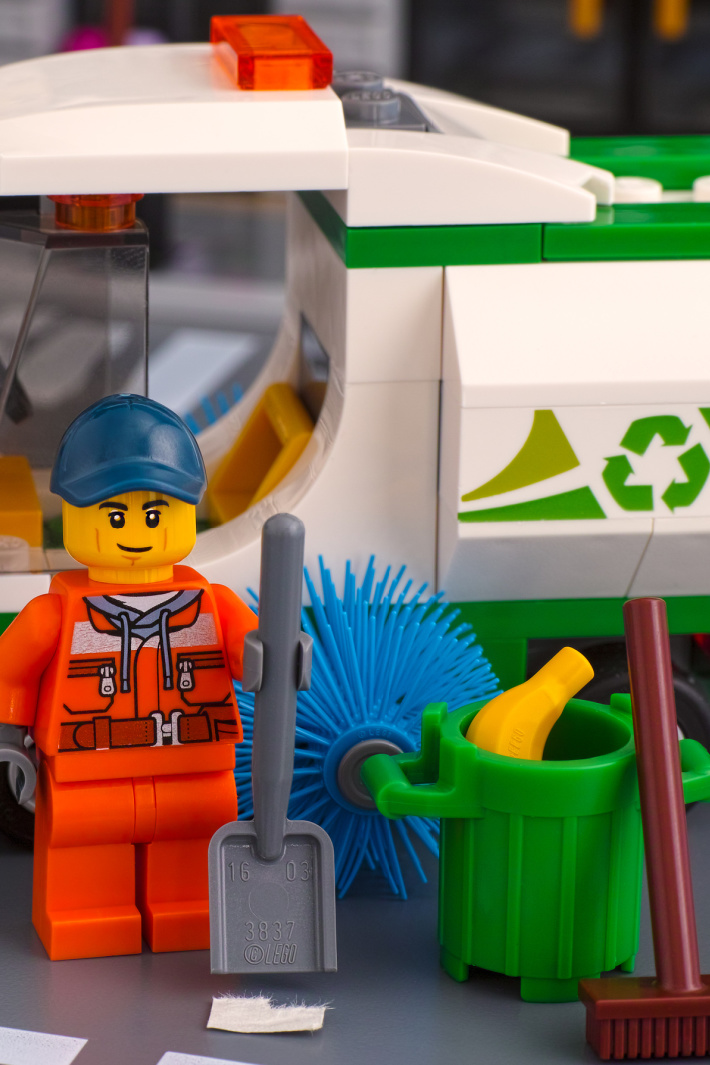 LEGO Has A New Recycling Program, Here's Where You Can Send Used LEGOs