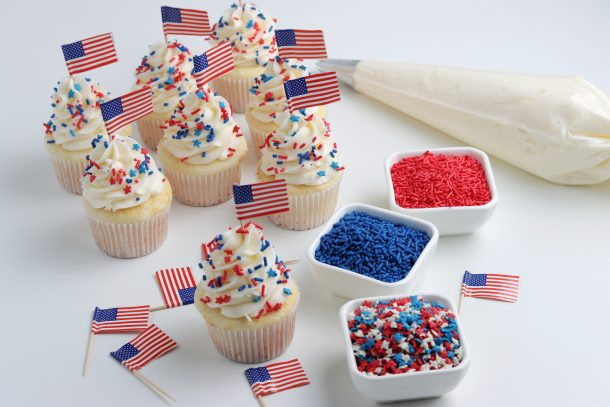 Easy & Delicious 4th Of July Cupcakes Recipe