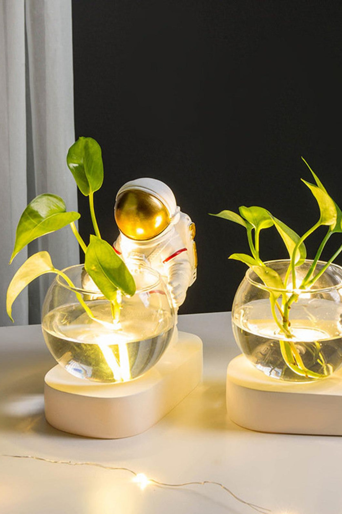 These Light Up Astronaut Flower Vases Are Out Of This World Adorable