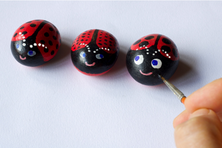 Painted Lady Bug Rocks - Rock Ideas for Kids