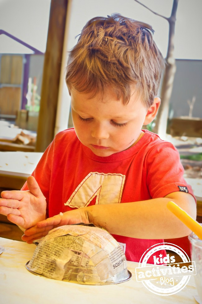 paper mache bowl for kids to make with grandparents is very easy craft with limited supplies